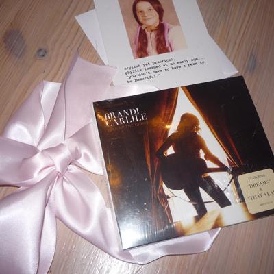 Inside Vanessa's gift